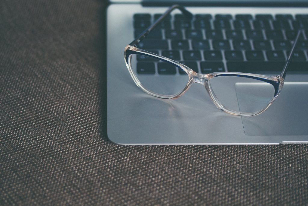 Glasses on keyboard - how to increase SEO