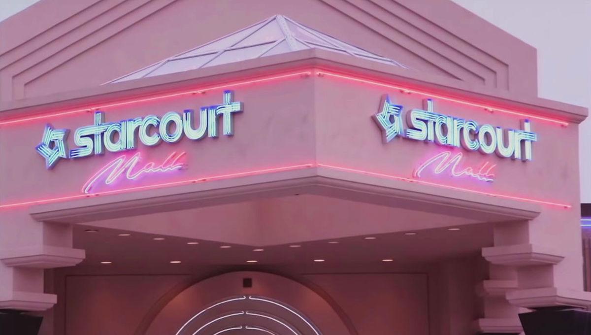 Starcourt Mall in Stranger Things 3