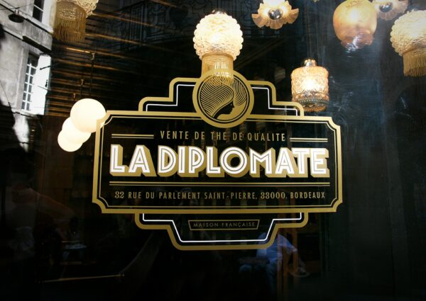La Dimplomate vintage logo