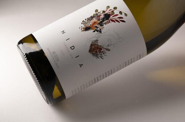 floral wine label